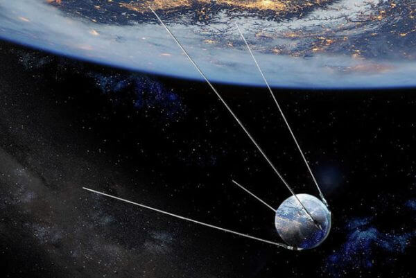 quién inventó los satélites artificiales