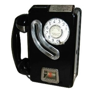 primer teléfono público