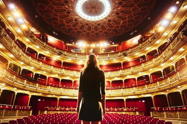 historia del teatro y su origen