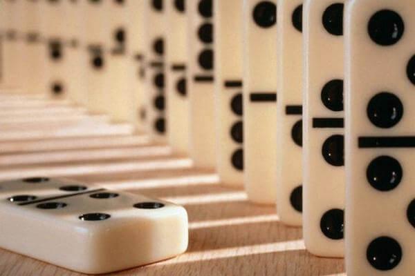 dónde y cuando se inventó el dominó
