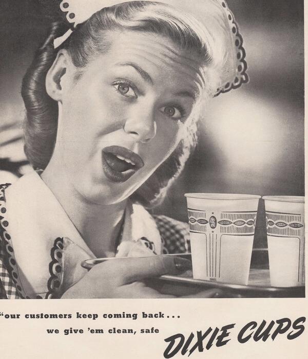 cuándo se inventó el vaso desechable