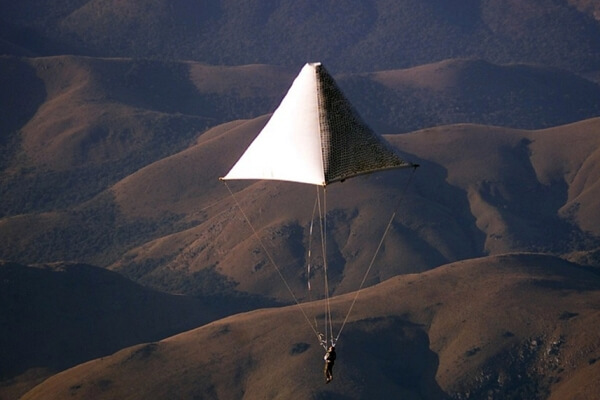cuándo se inventó el paracaídas