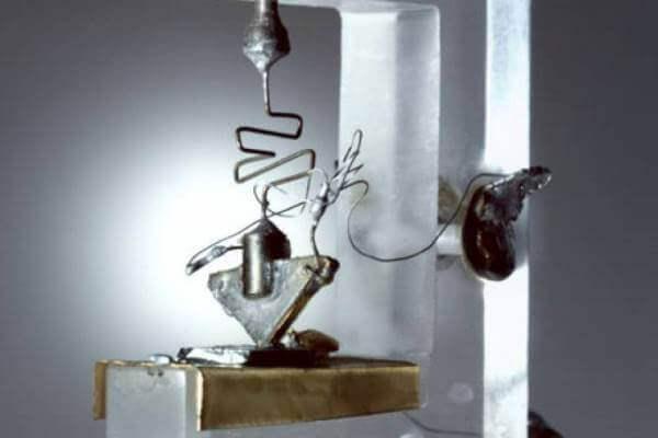 quién inventó el transistor