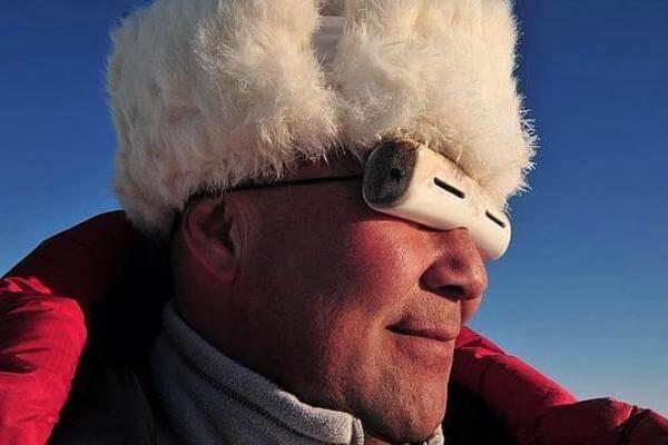 cuándo y quién inventó las gafas de sol