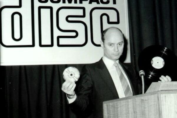 cuándo se inventó el compact disc
