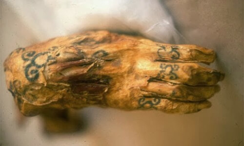 tatuaje momia egipcia