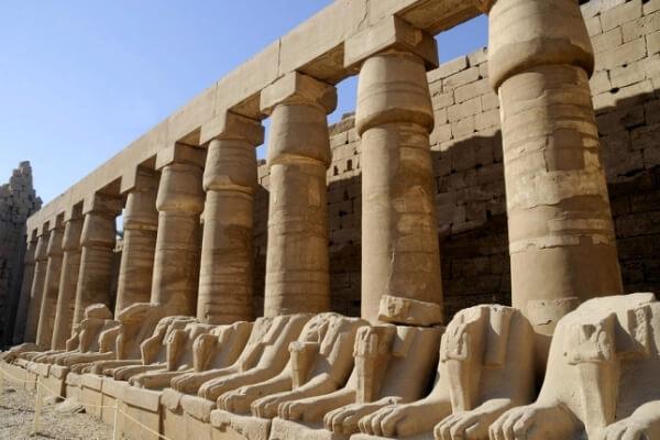 partes del templo de karnak
